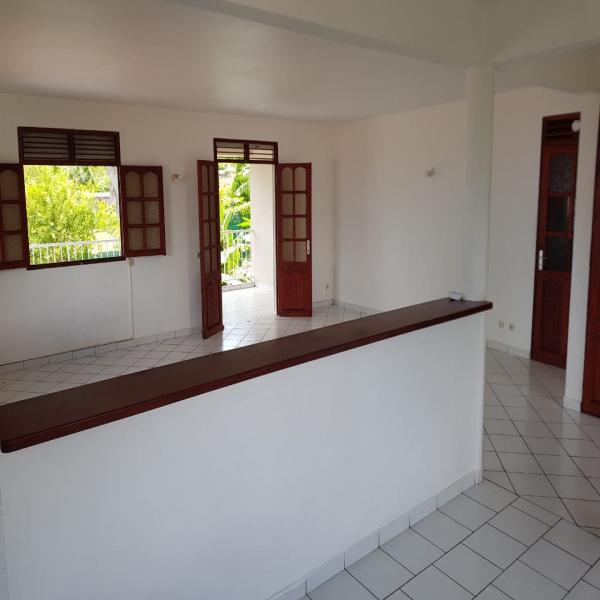 Offres de location Maison Saint claude 97120